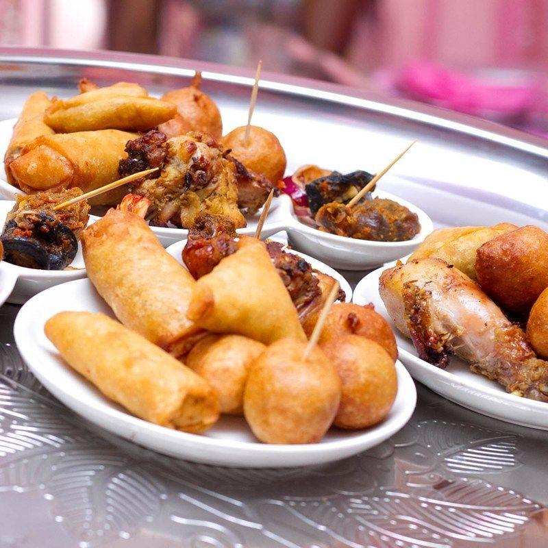 Street food in Nigeria. Nigerian street food.
